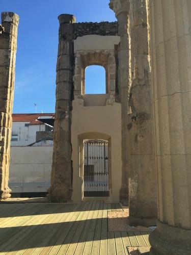 Diana Roman Temple, Mérida
